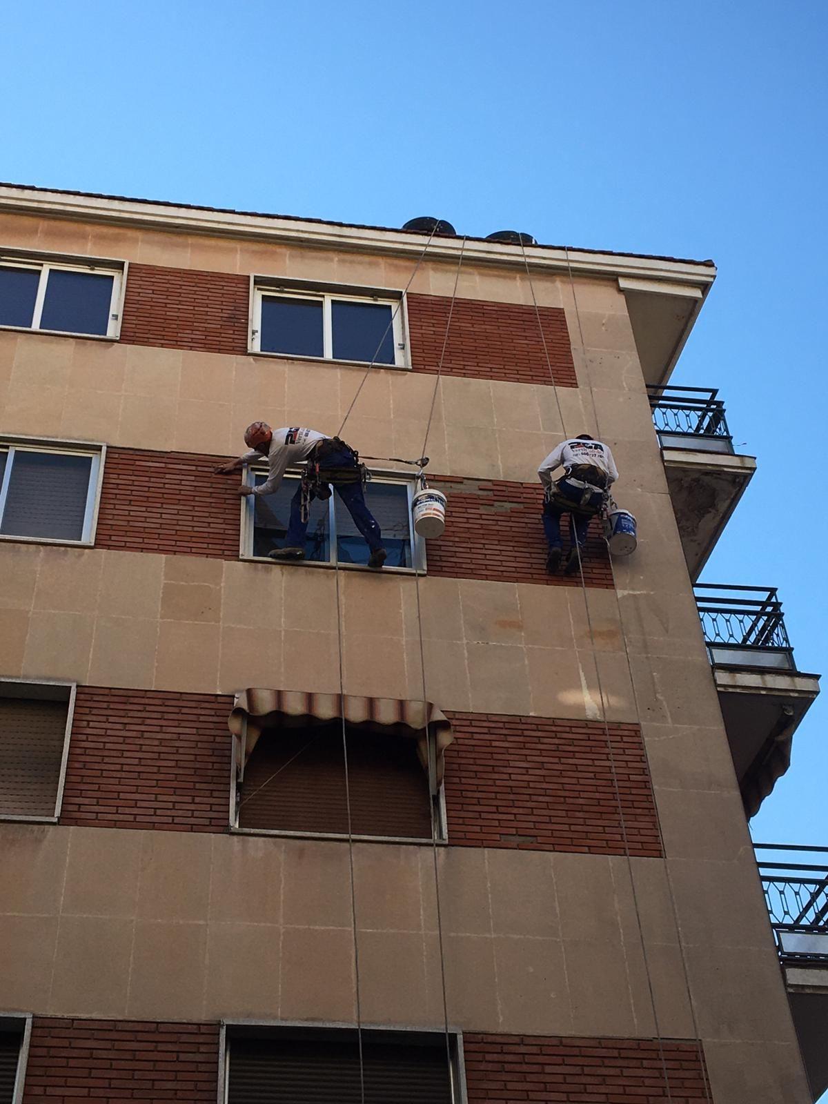 Profesionalidad, calidad y garantía del resultado en mantenimiento de edificios.