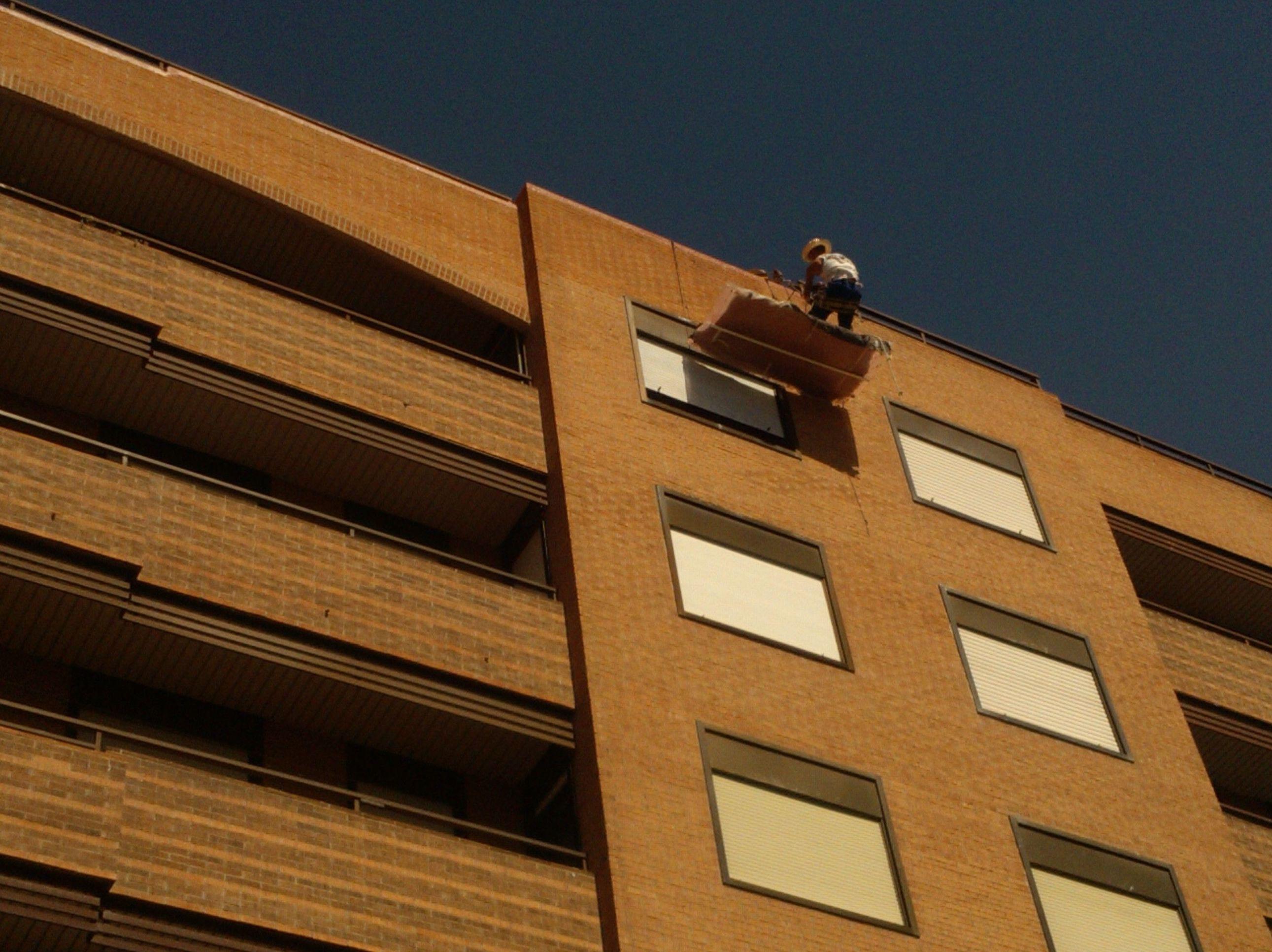 Rehabilitación de fachada con andamio