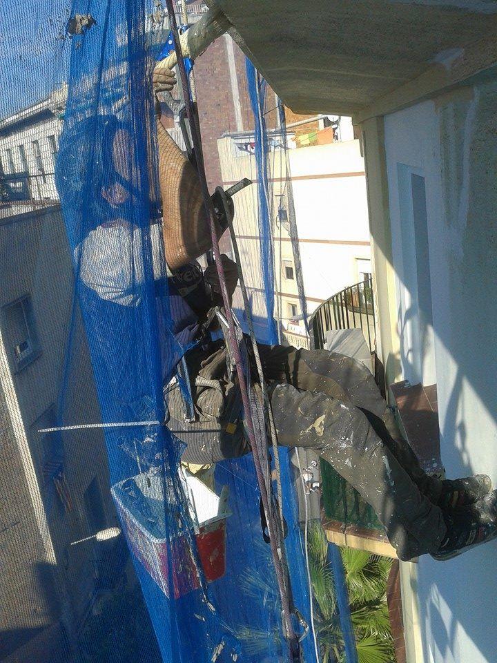Trabajos verticales profesionales y seguros en Vallés