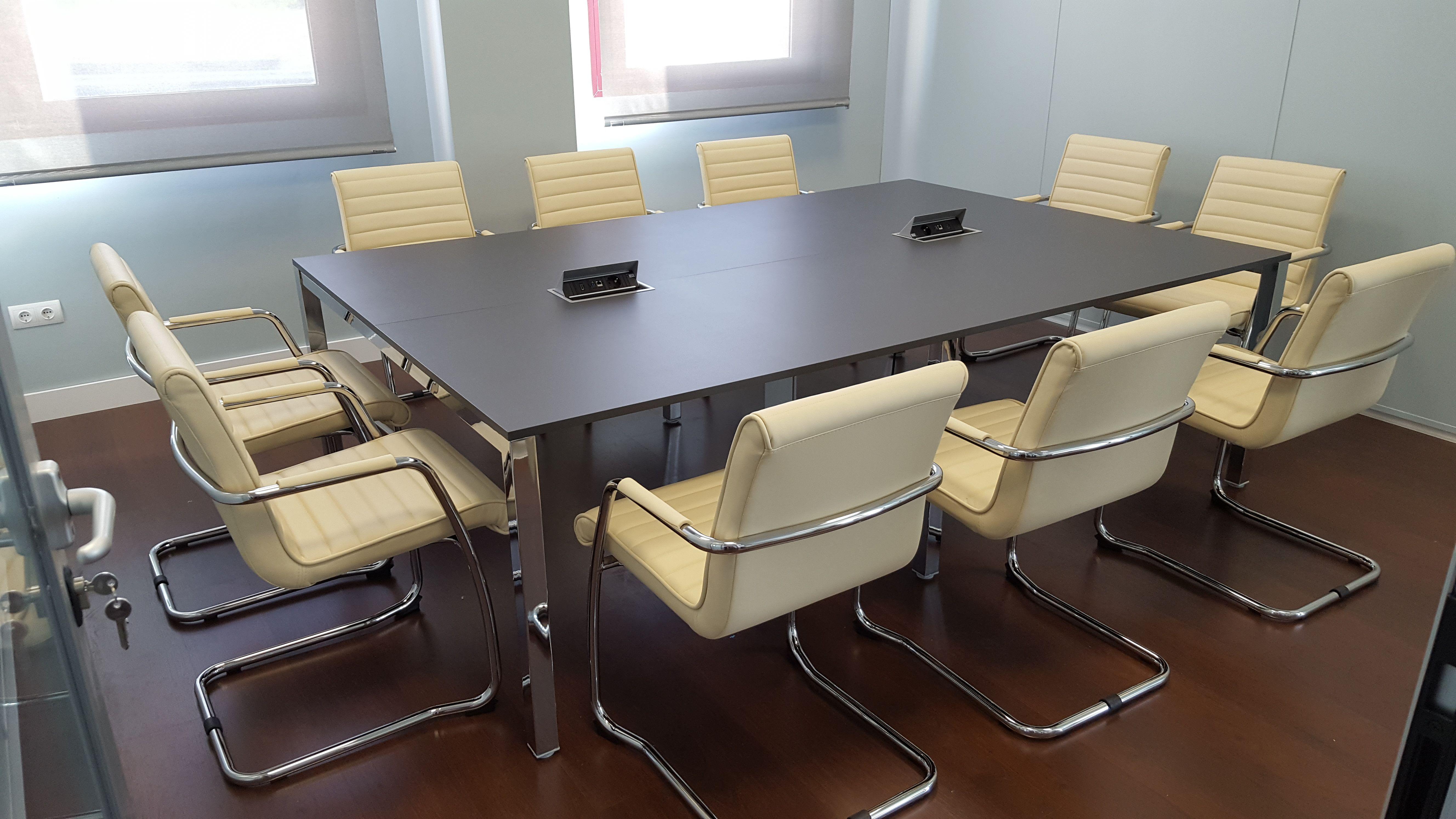 Equipamiento para salas de reuniones en Madrid