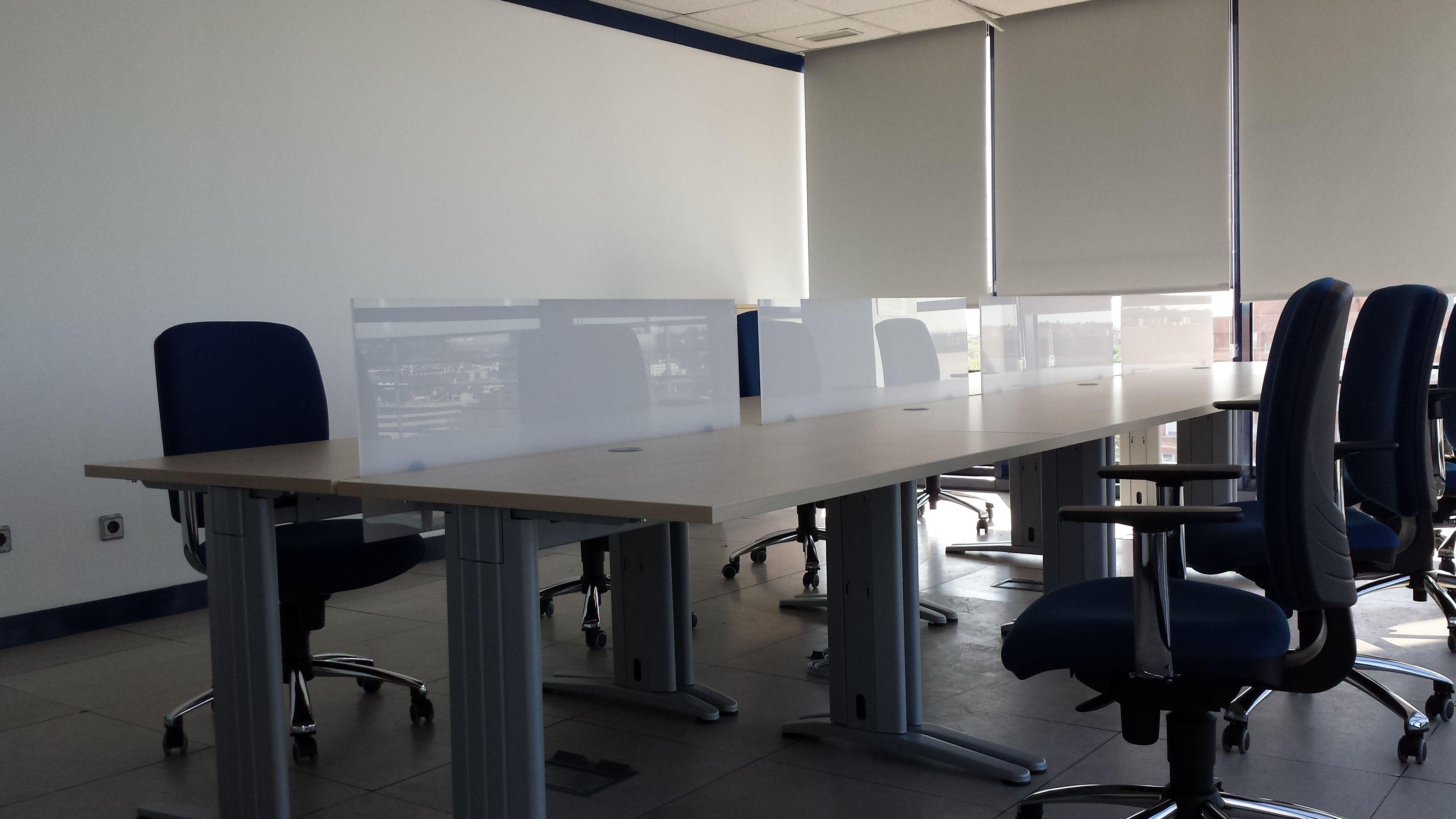 Escritorios y sillas para centros de trabajo en Madrid