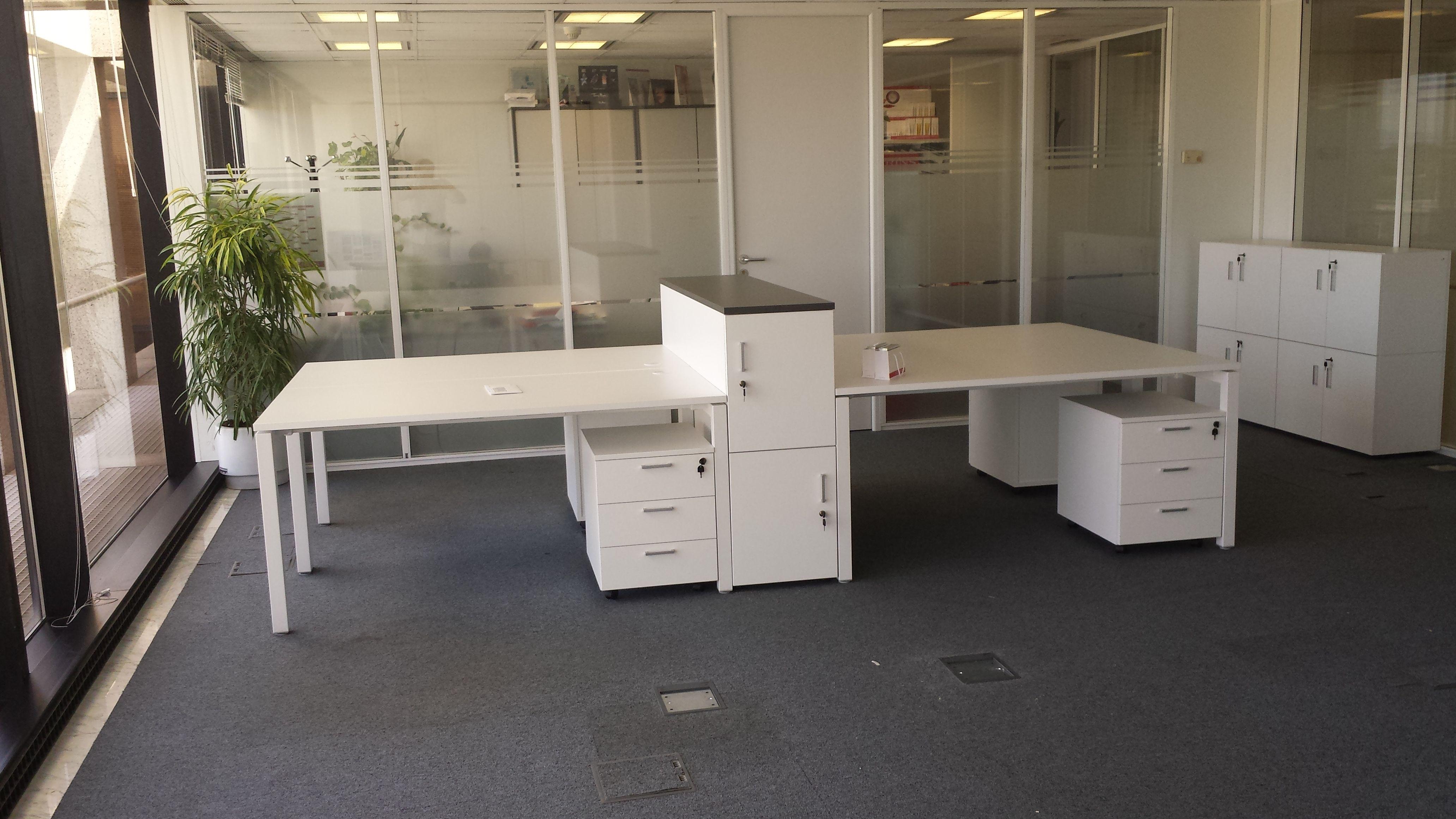 Escritorios y cajones para oficinas en Madrid
