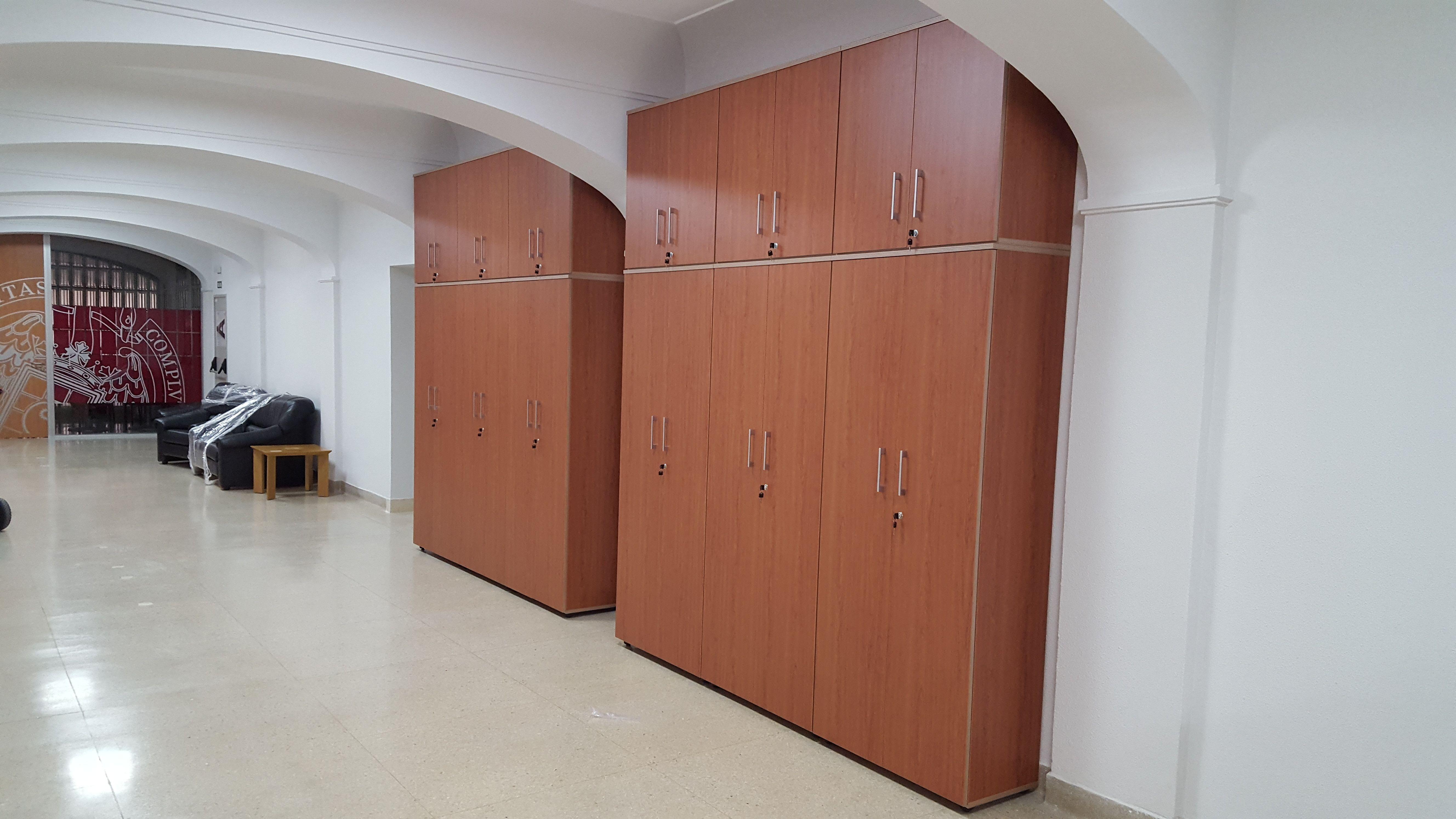 Armarios, estanterías y muebles auxiliares en Madrid