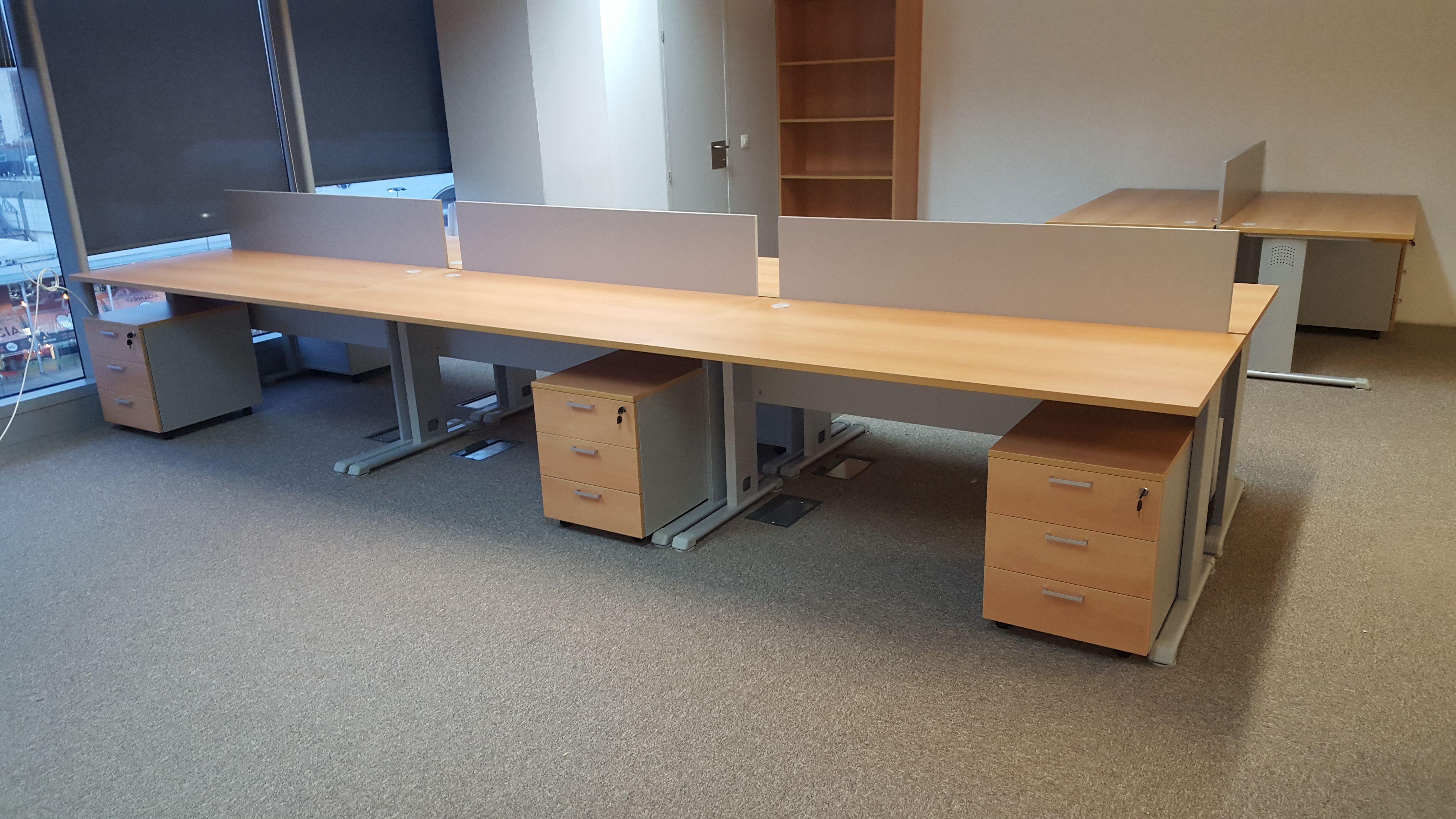 Mesas, cajoneras y complementos para oficinas
