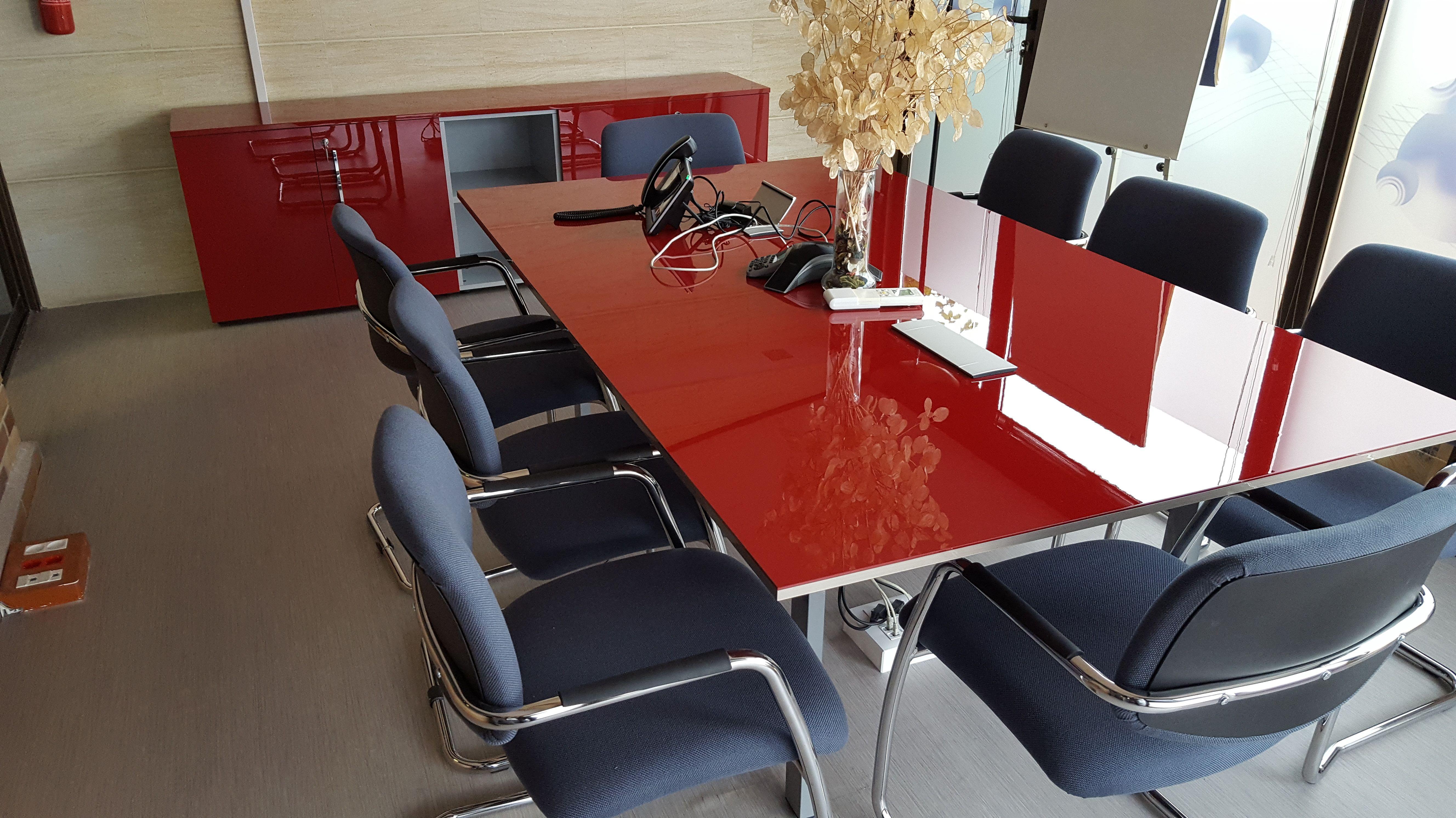 Mobiliario para salas de reuniones en Madrid