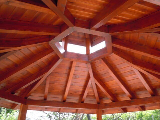 Porche de madera en Boadilla del Monte