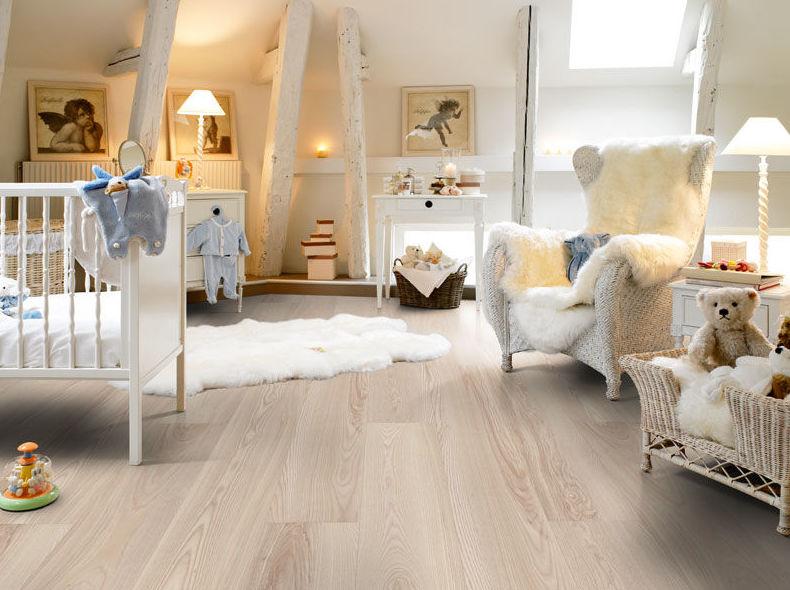 Carpintería de madera en habitación
