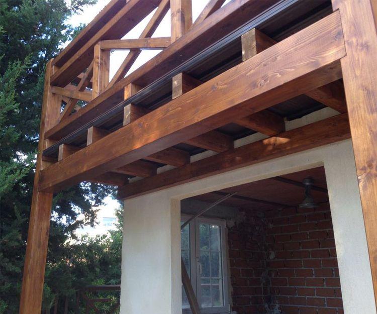Porche de madera en Villaviciosa de Odón