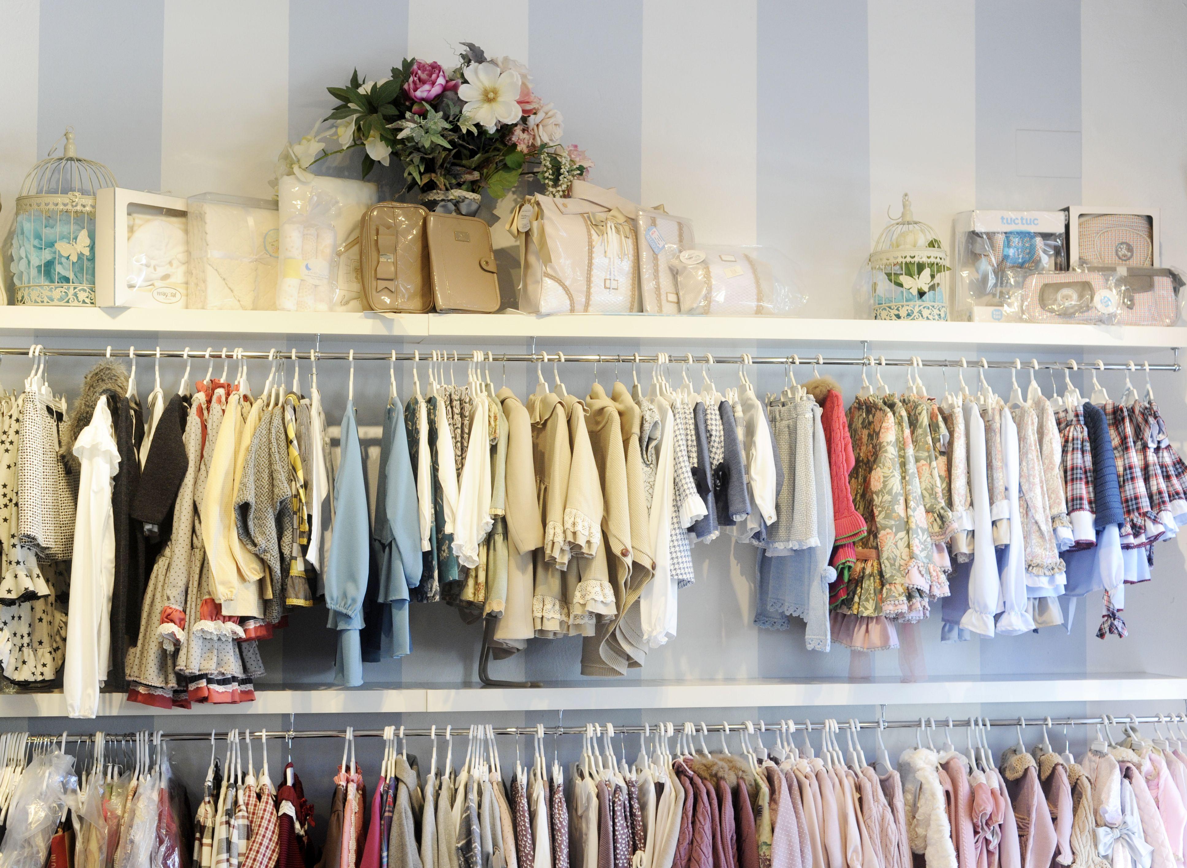 Tienda de ropa infantil para niños en Sevilla