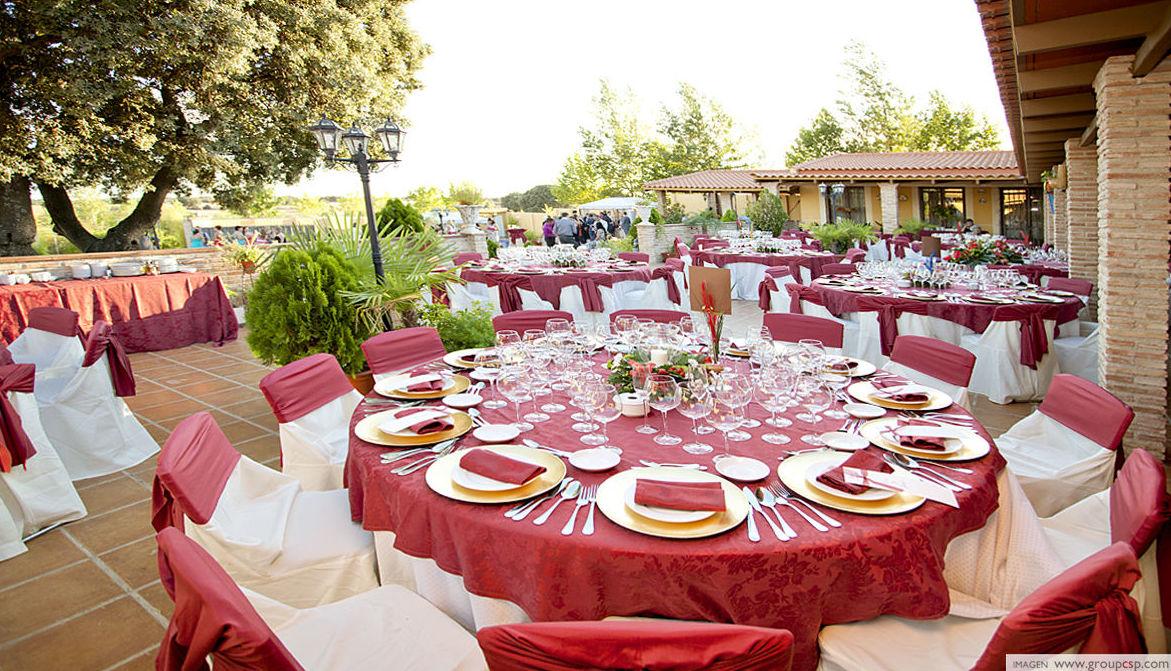 Celebración de bodas al aire libre en Madrid