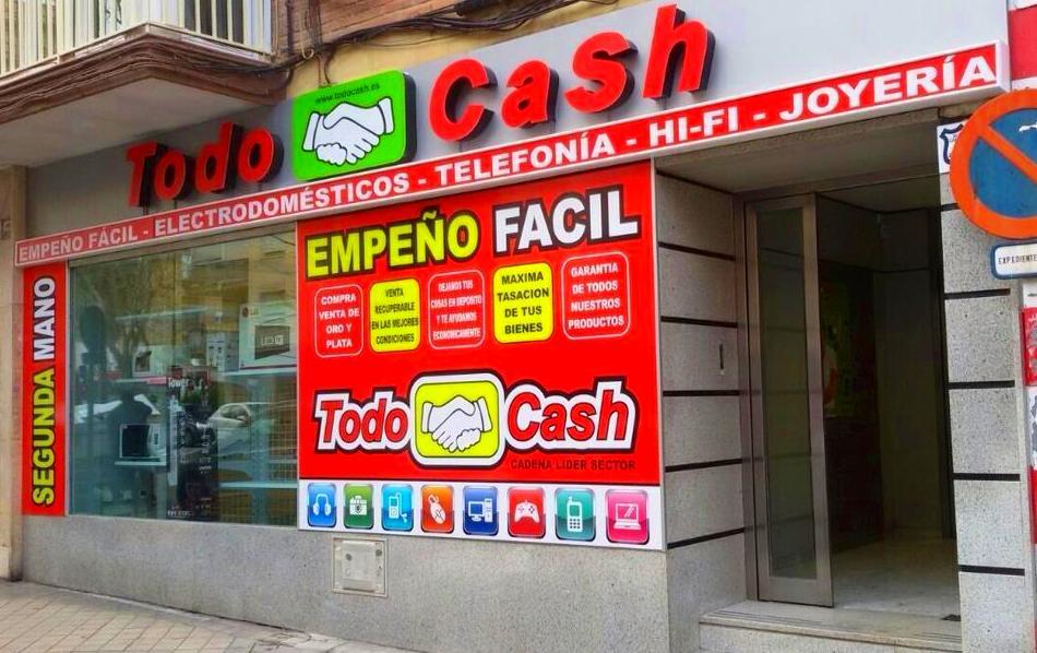 Terminamos esta nueva tienda en Avda. De Barcelona. Exterior e interior.