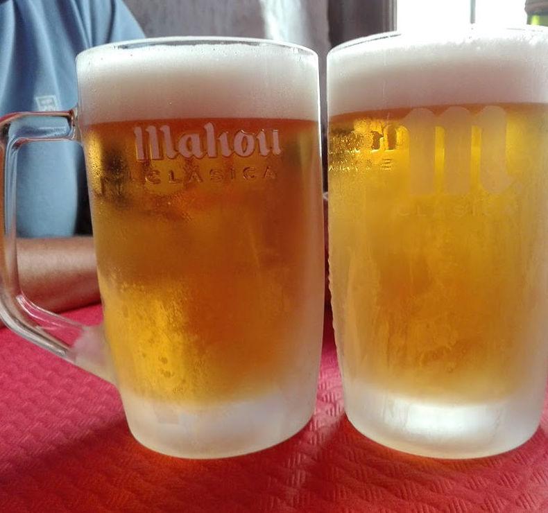 Toma una cerveza fresca con nosotros