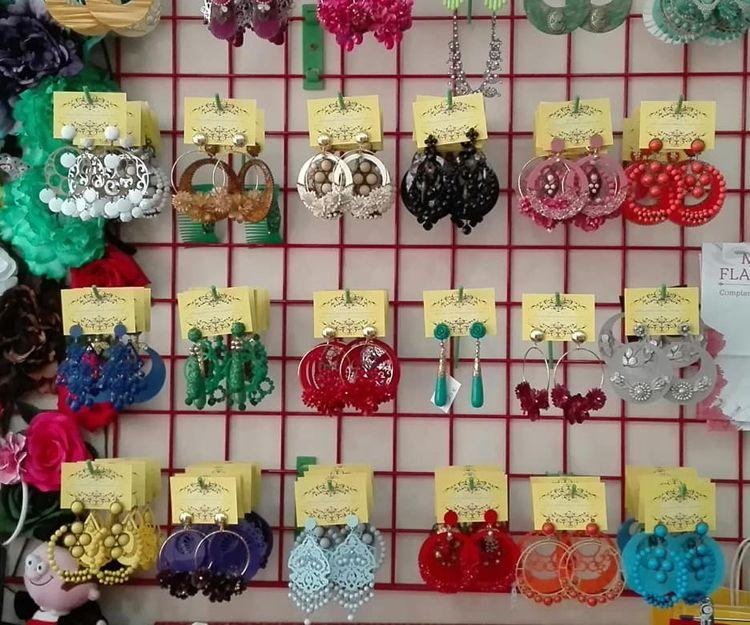 Complementos para trajes de flamenca en Cuevas del Almanzora