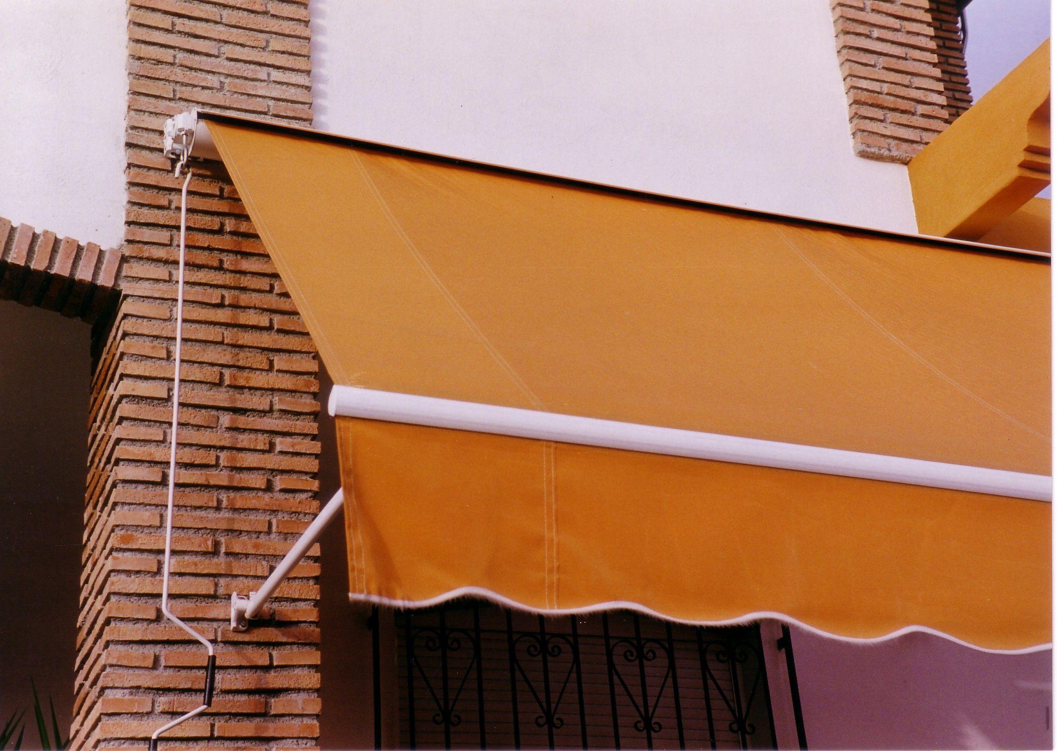 Toldos con brazos extensible en Córdoba