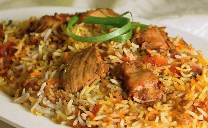 Arroz con pollo al estilo indio
