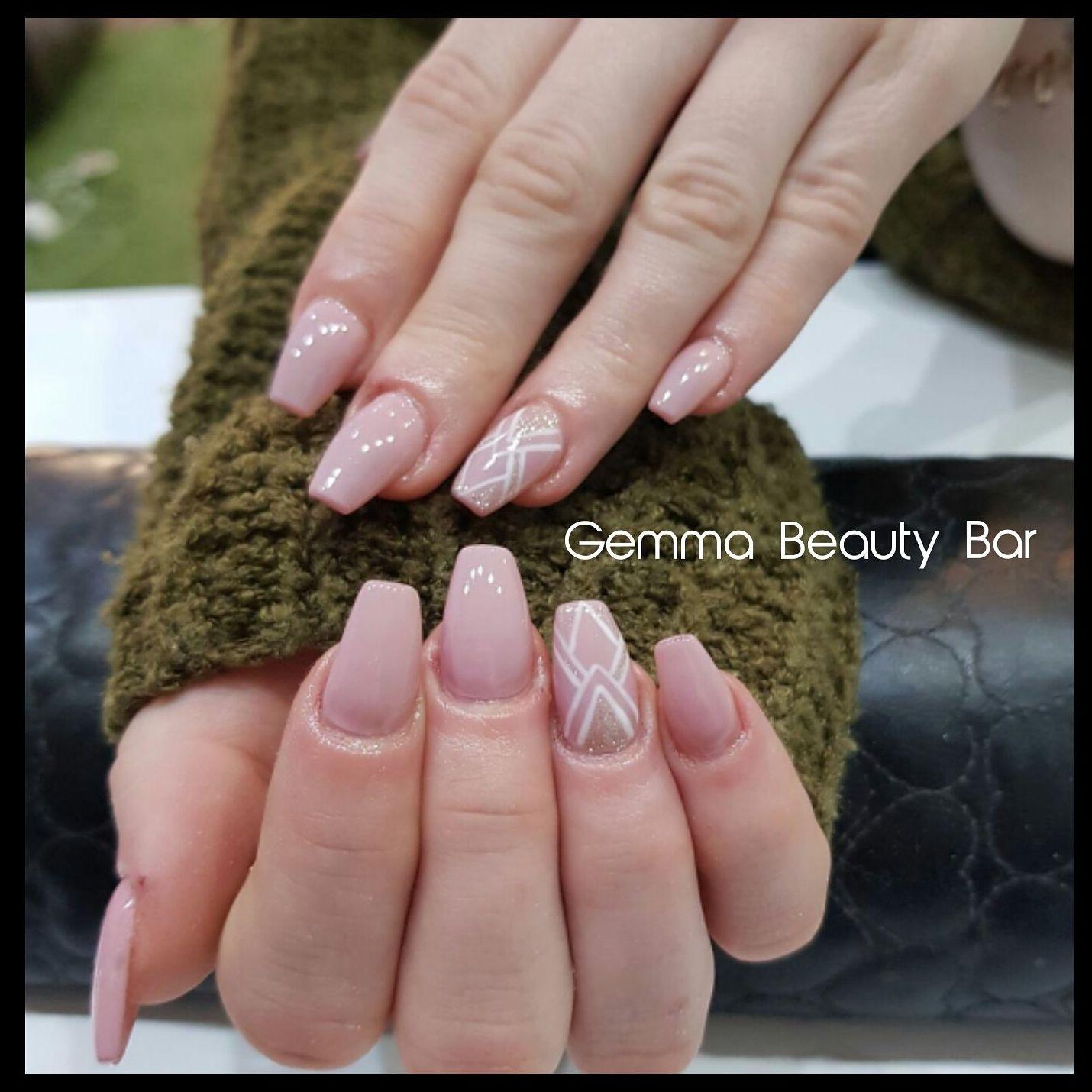 Uñas: Servicios de Gemma Beauty Bar