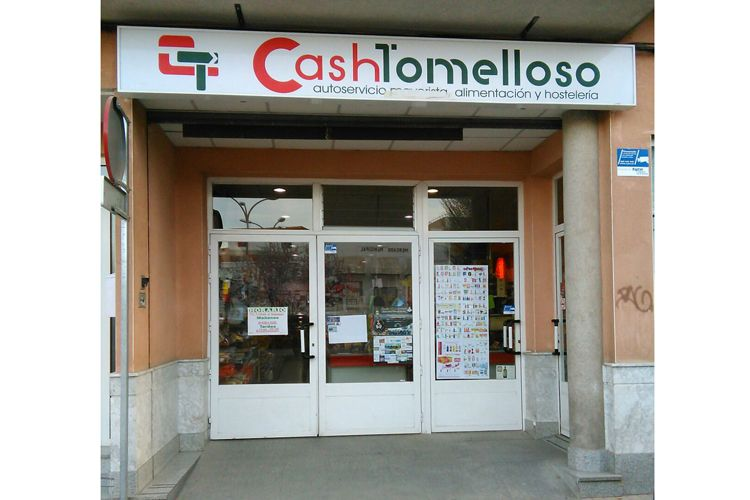Fachada de Cash Tomelloso