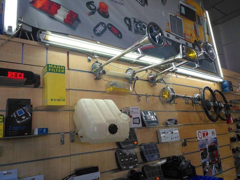 Foto 2 de Recambios y accesorios de todas las marcas para camiones y remolques en Cuart de Poblet | MCP