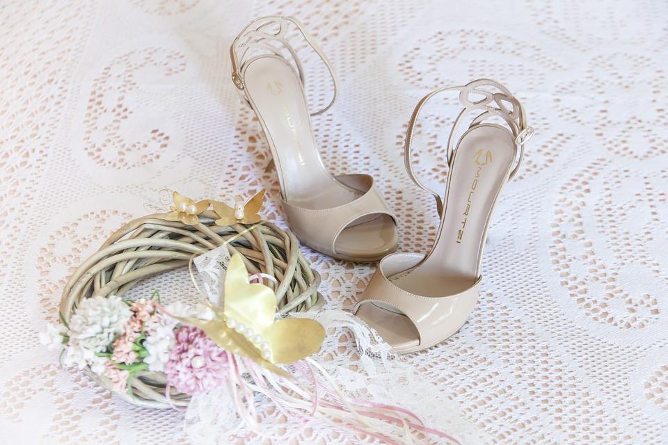Complementos: Vestidos y servicios de Sandra Novias