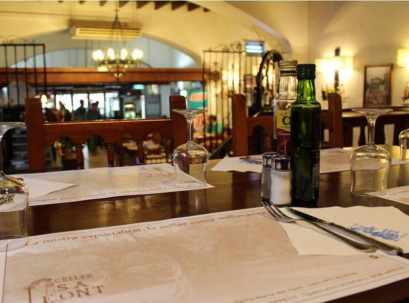 Foto 7 de Cocina balear en Santa Maria del Camí | Restaurante Celler Sa Font