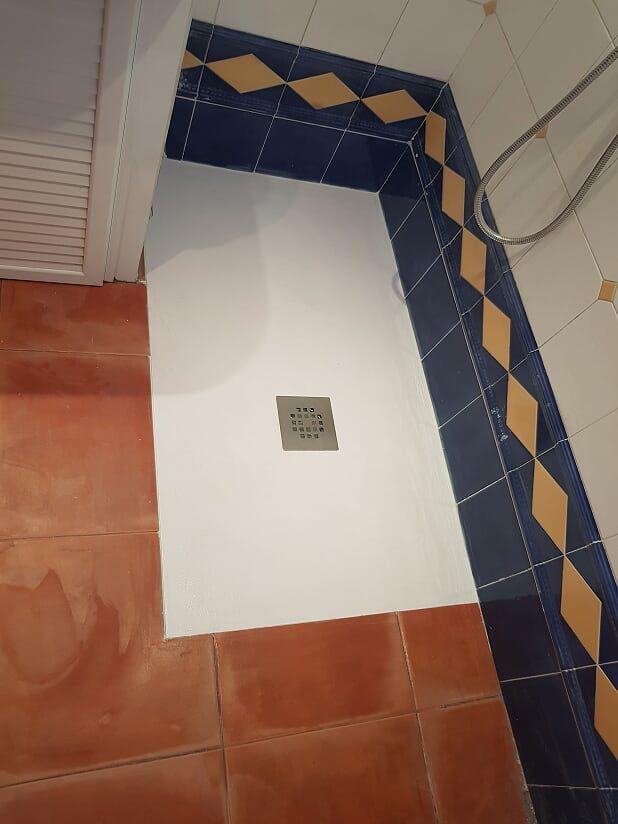Instalación de nuevo plato de ducha