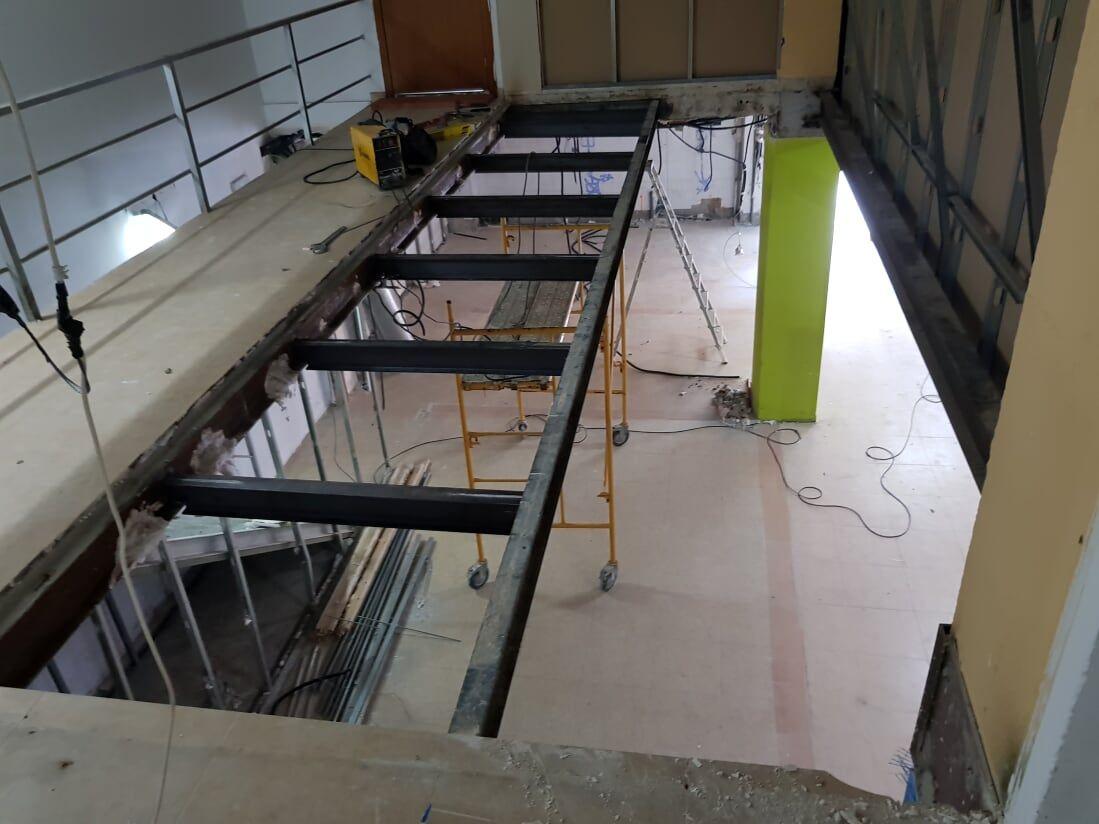 Instalación de techos en local