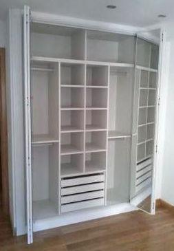 Armario blanco para habitación