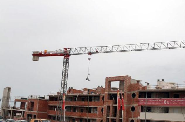 Montaje, mantenimiento, alquiler y venta de grúas torre en Murcia