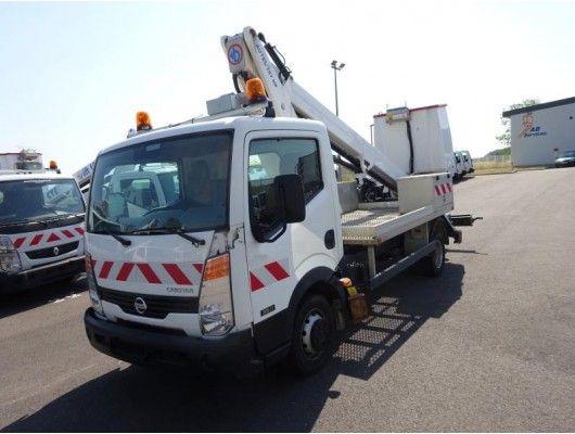 Ocasión: Camión Nissan Cabstar con cesta de 18 metros : Vehículos de Iber Auctions