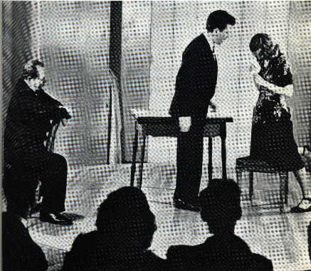 Moreno dirigiendo Psicodrama