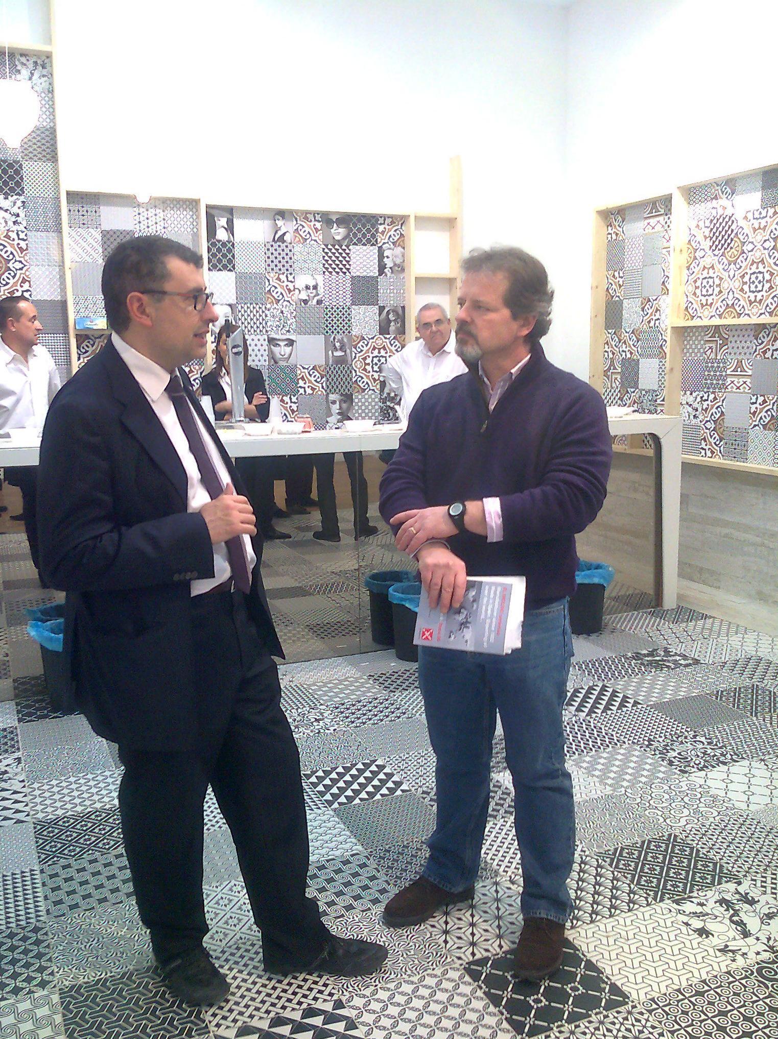 CEVISAMA 2013. En el stand de Cerámicas Aparici con el Sr. Pruñonosa.