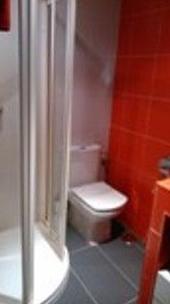 Reforma de baño en vivienda particular.