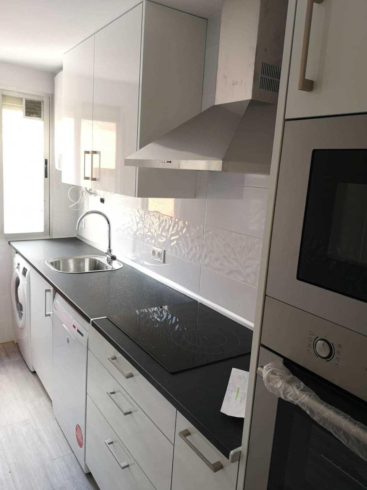 Muebles de Cocina - Proyecto realizado en Madrid Sur: PROYECTOS REALIZADOS de Diseño Cocinas MC