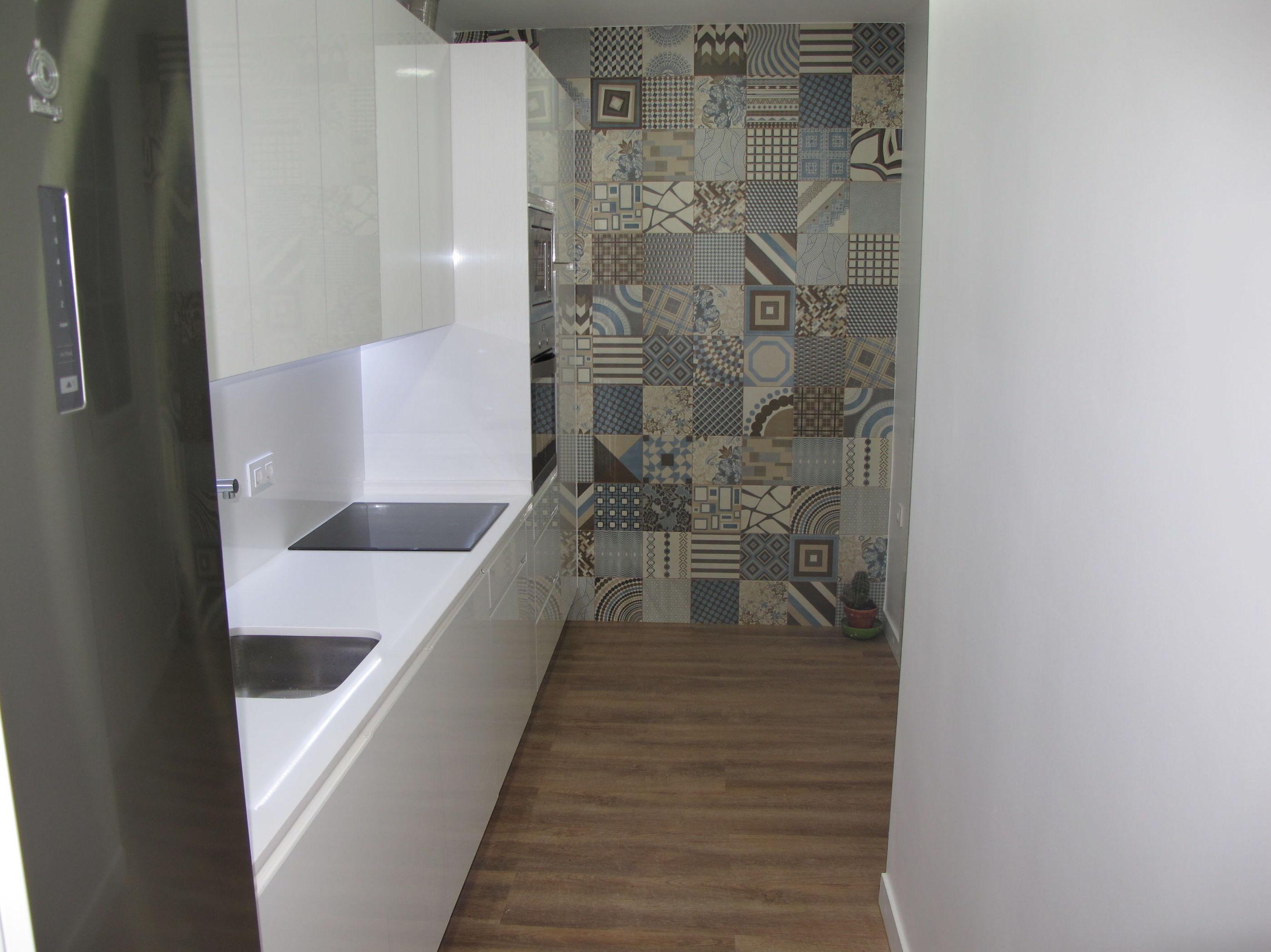 Mueble cocina blanco brillo intenso Luxe pared Vintage