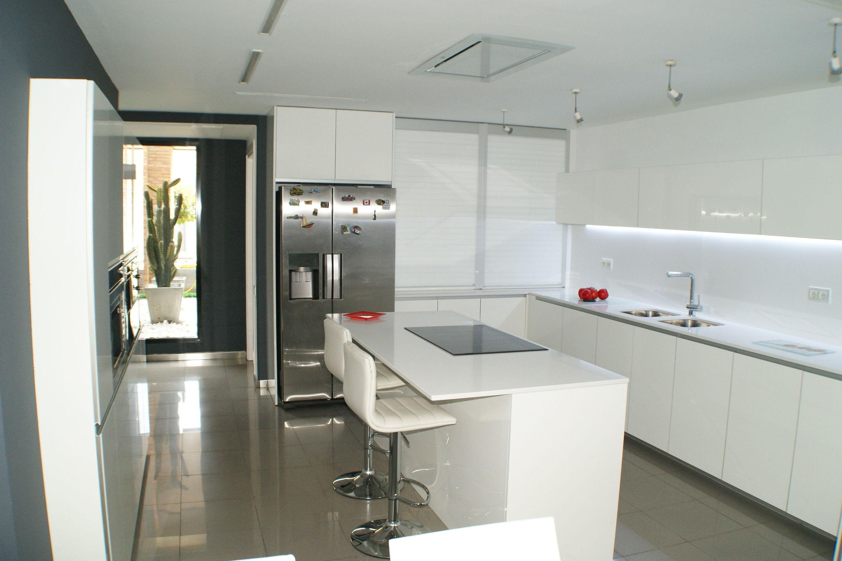 Muebles de Cocina - Proyecto realizado en pozuelo: PROYECTOS REALIZADOS de Diseño Cocinas MC