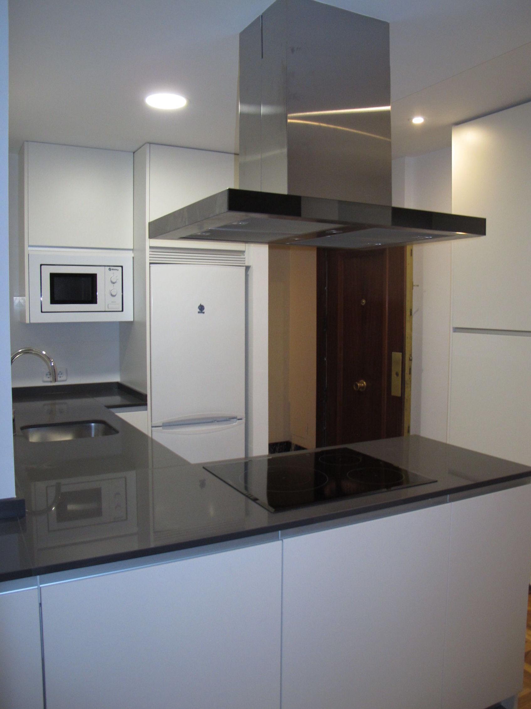 Muebles de Cocina - Proyecto realizado en Atocha: PROYECTOS REALIZADOS de Diseño Cocinas MC