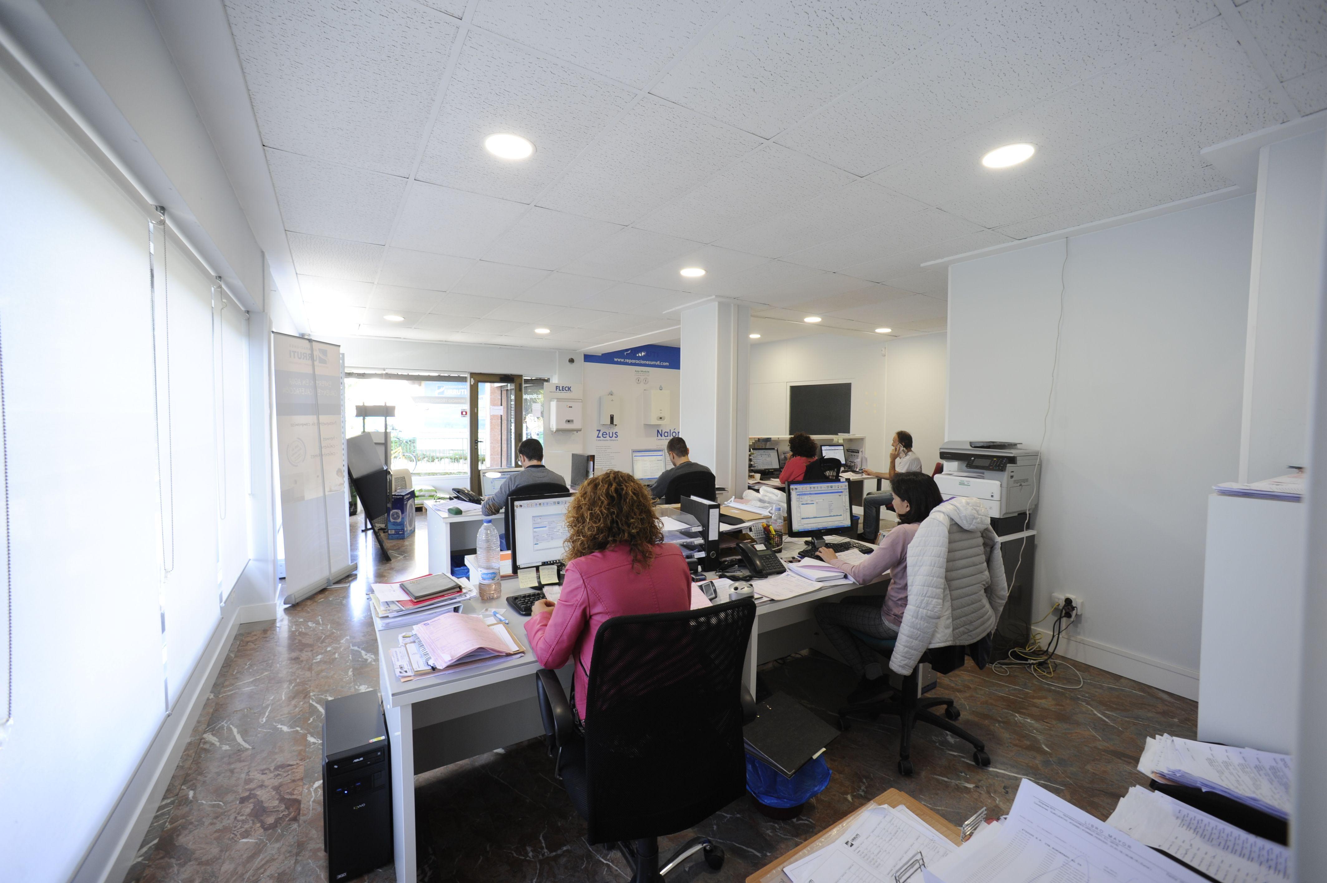 Zona oficina Reparaciones Urruti