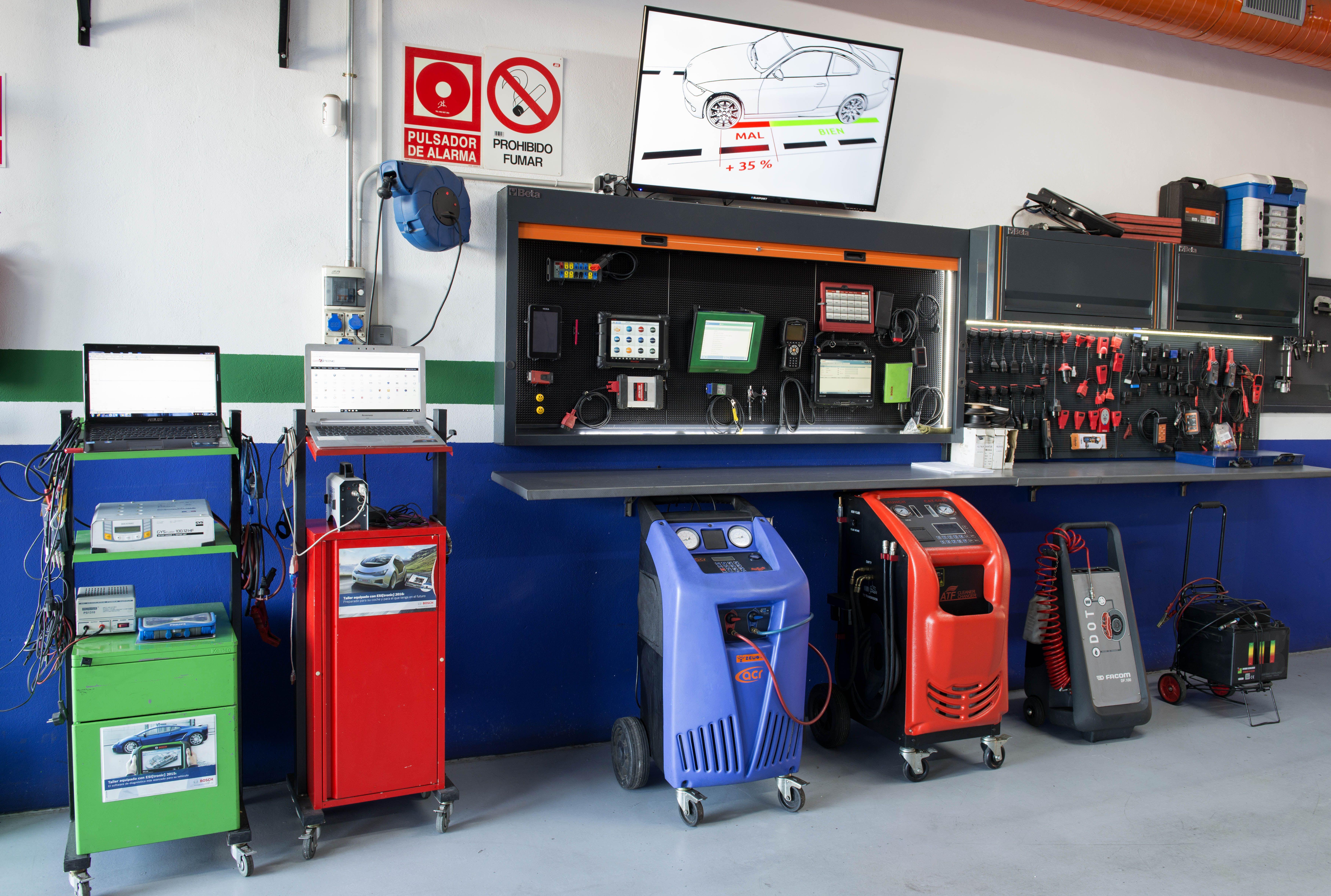 Foto 5 de Taller mecánico en Linares | Garaje Motor Linares