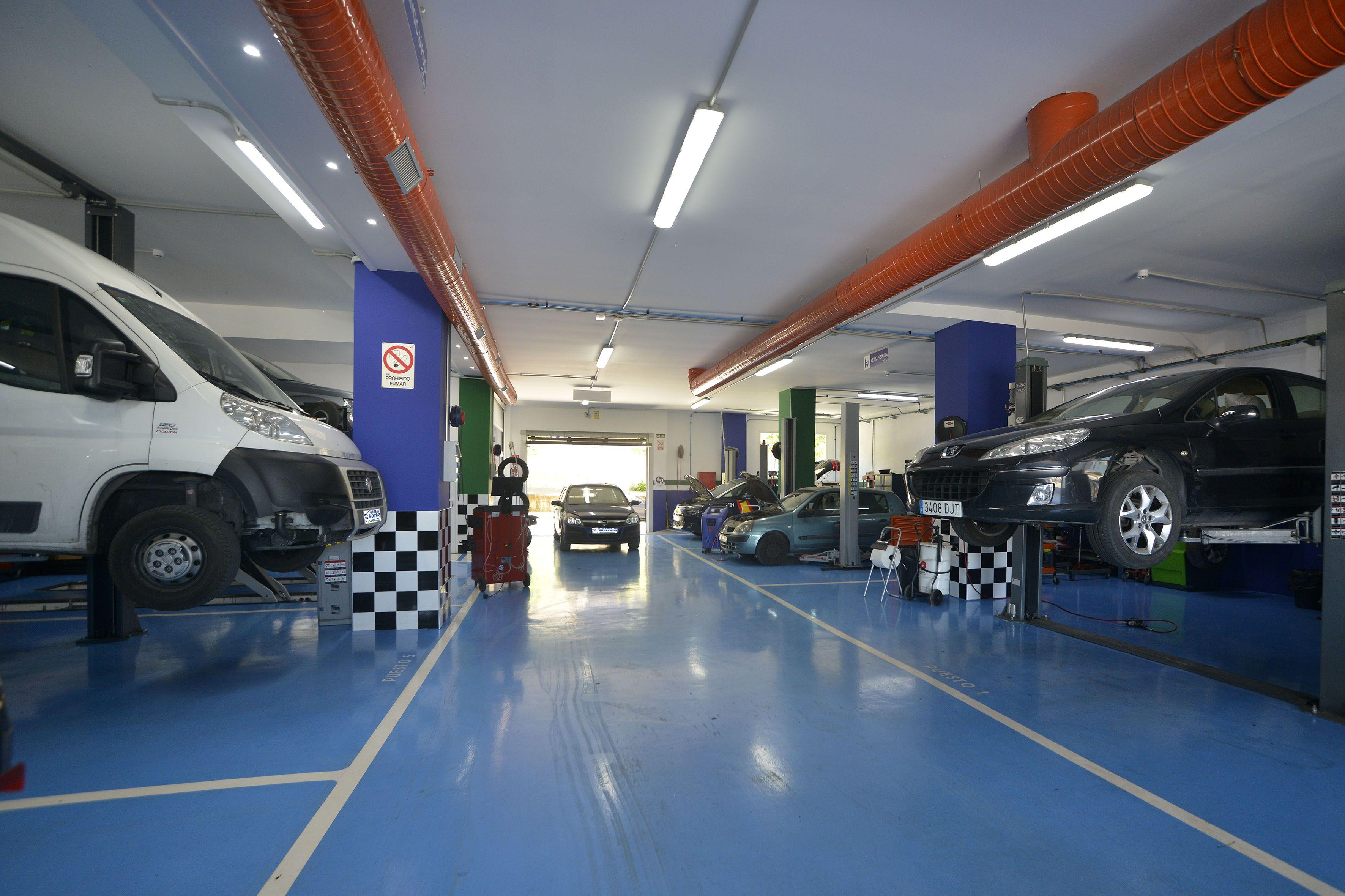 Mantenimiento coche híbrido en Linares
