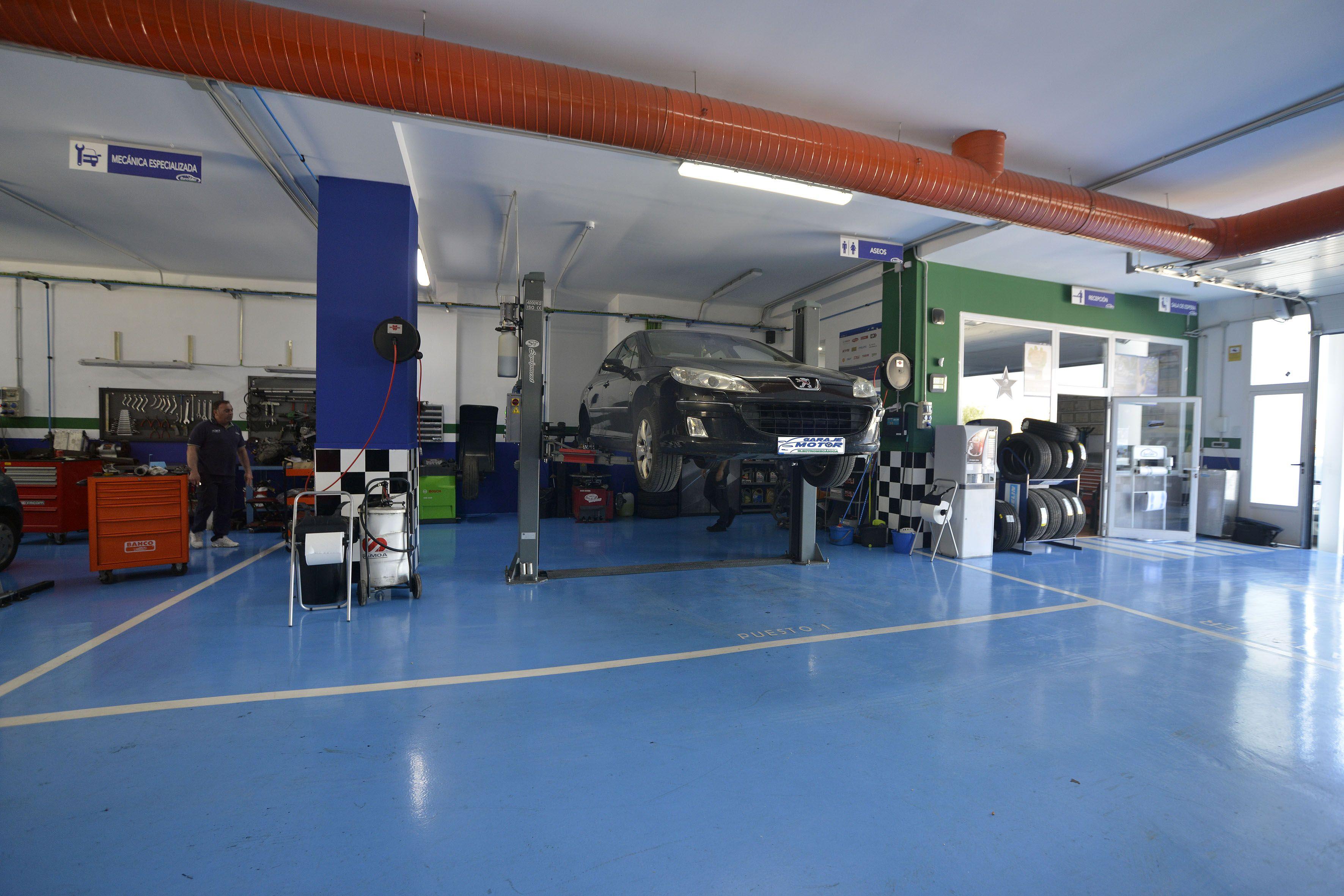 Mantenimiento coches híbridos Linares