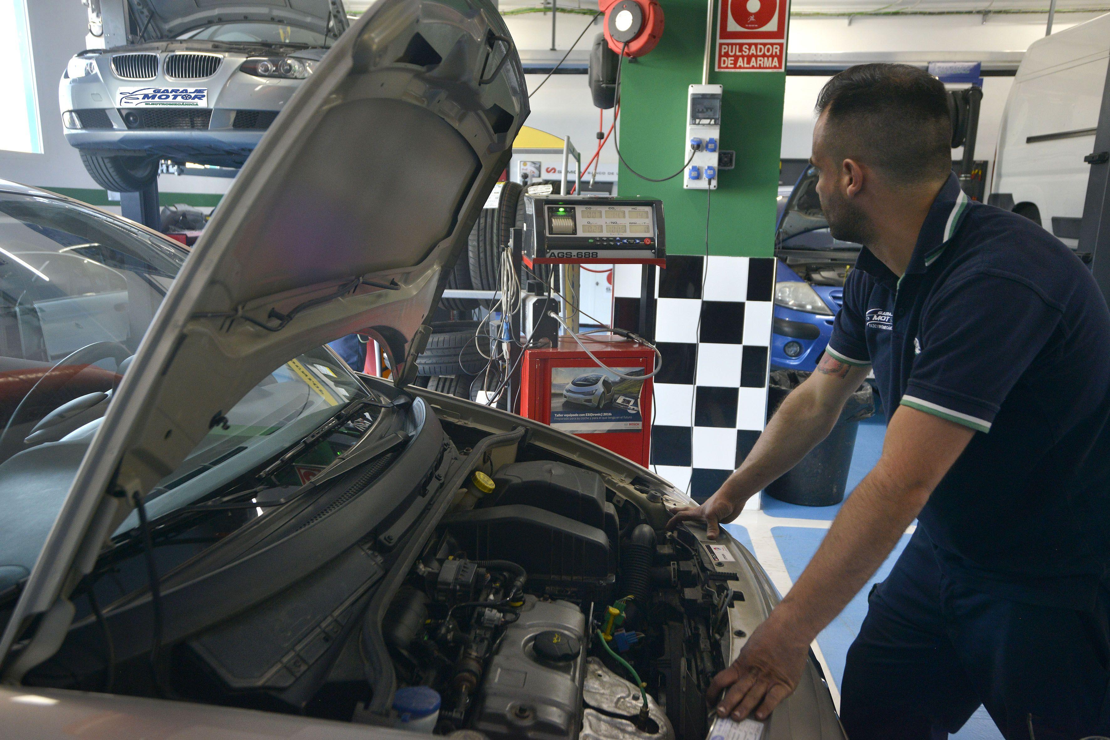 Foto 16 de Taller mecánico en Linares | Garaje Motor Linares