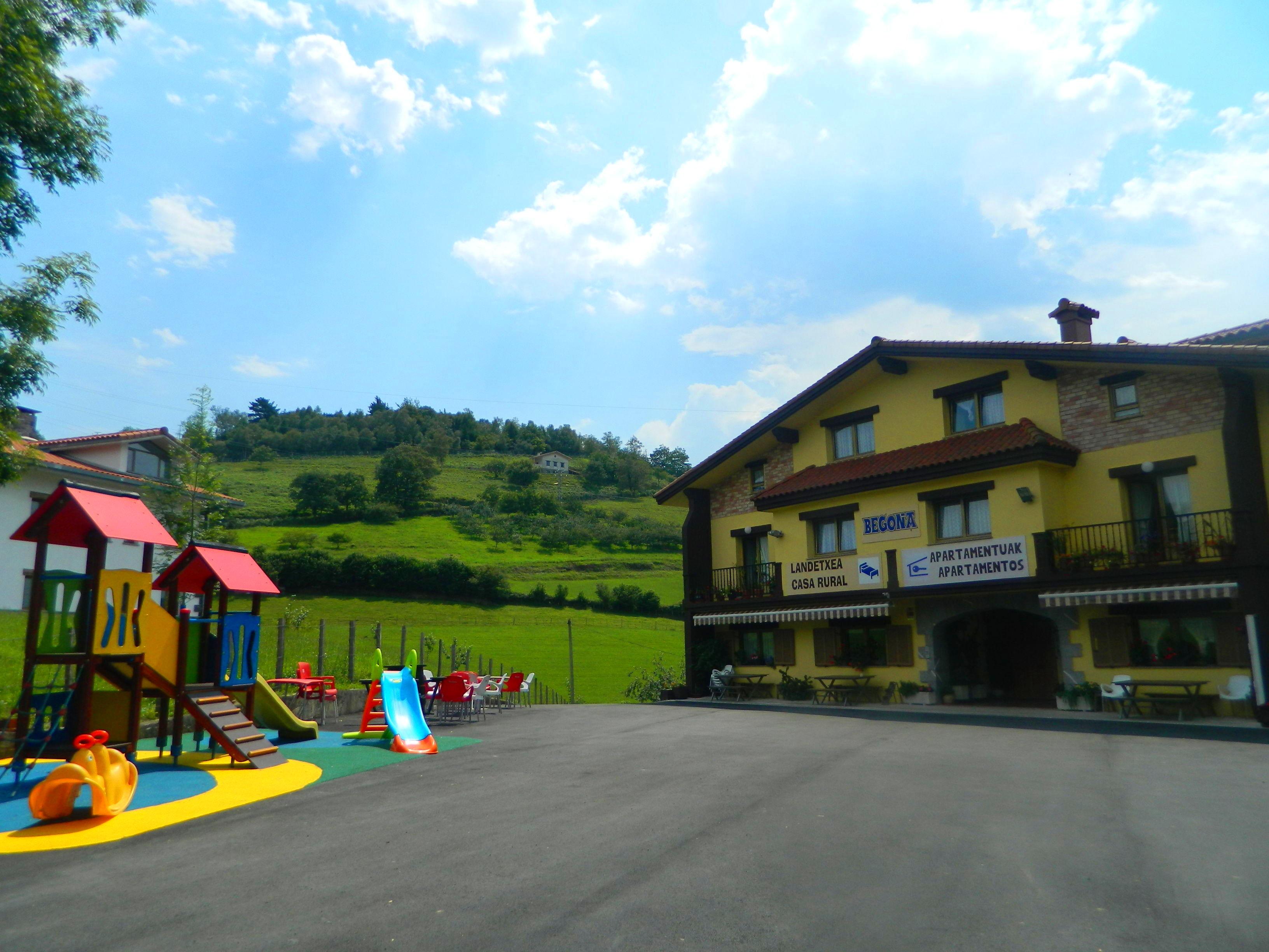 Foto 1 de Bares en Zarautz (Urdaneta) | Casa Rural Begoña