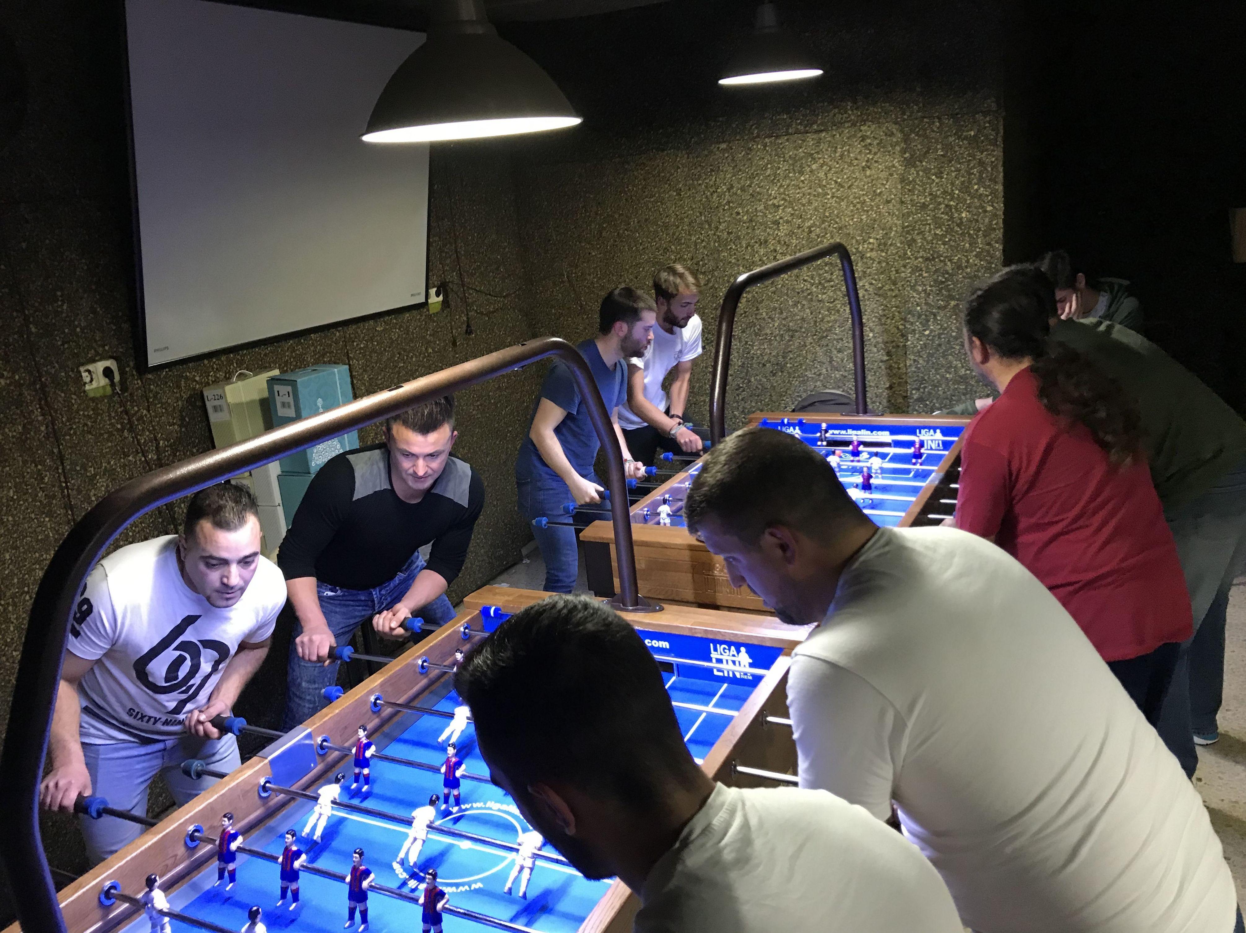 Foto torneo de futbolín REM