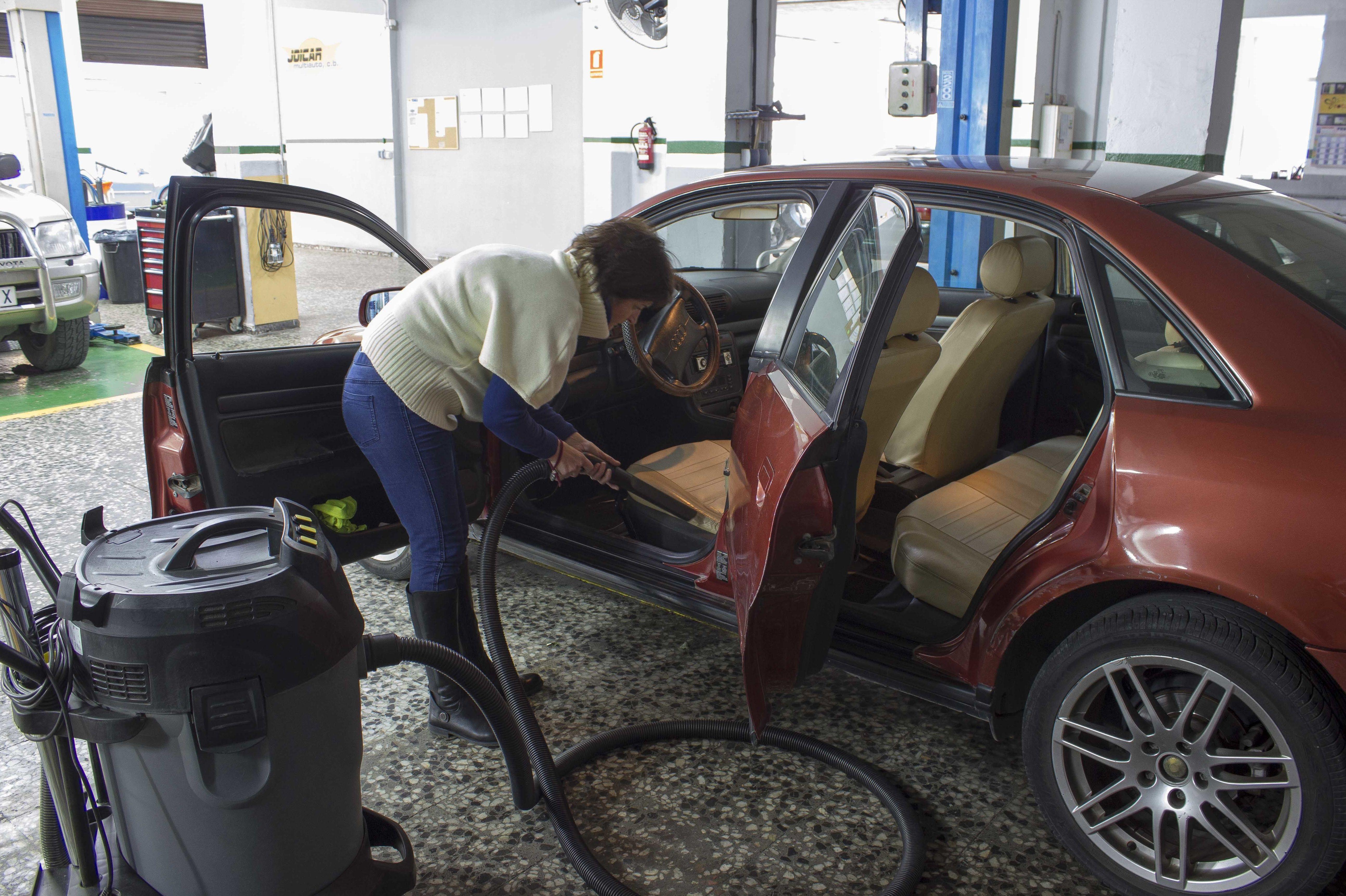 Limpieza de tapicería de vehículo