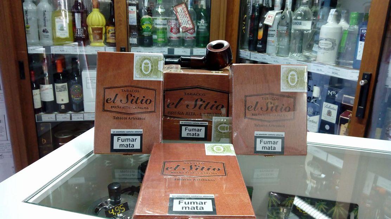 Tabacos artesanos en La Esquina del Fumador, Gáldar