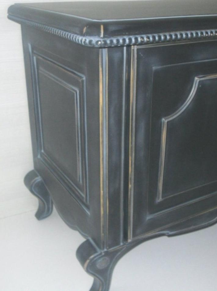 Fabricación de mueble a mano / mobles fabricats artesanalment