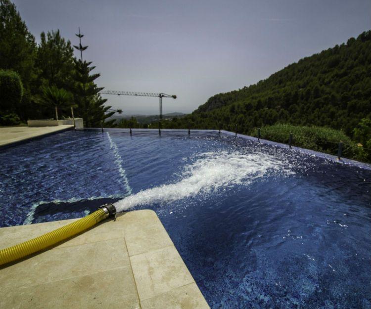 Llenado de piscinas en Mallorca