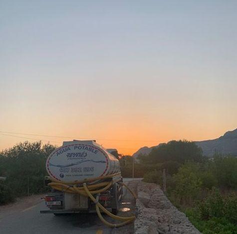 transporte de agua Calviá