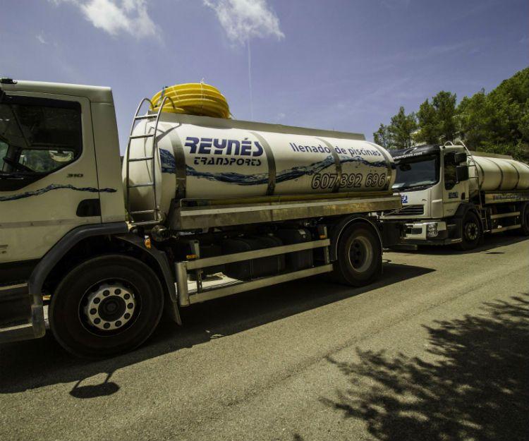 Nuestra flota de camiones cisterna