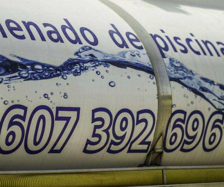 Servicio profesional de llenado de piscinas